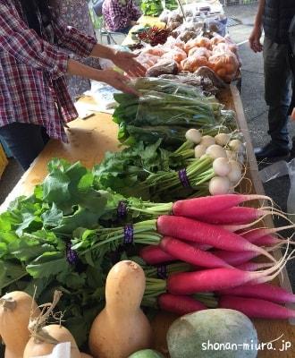 芦名朝市野菜販売