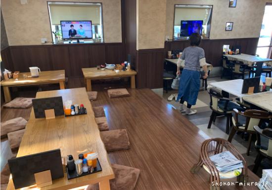 三浦市まるい食堂店内の様子②