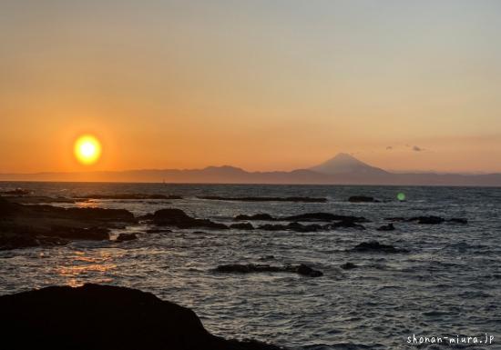 荒崎から見た富士山