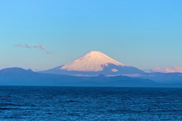 みうら半島から見る富士山