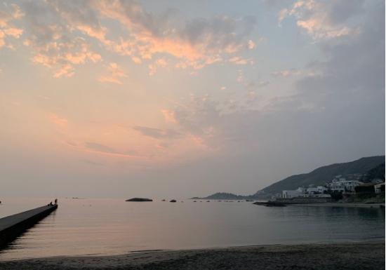 久留和海水浴場の夕景