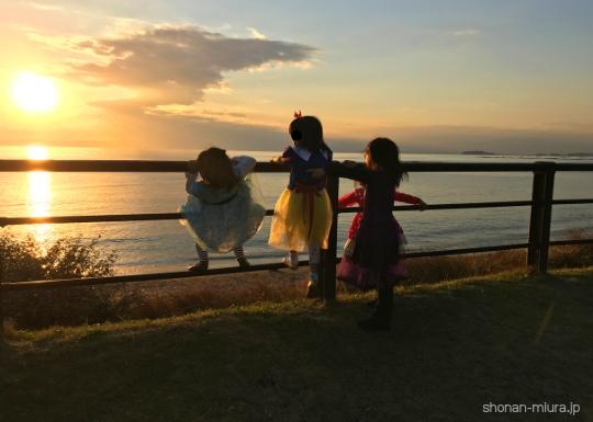 葉山大浜海岸から見る夕日