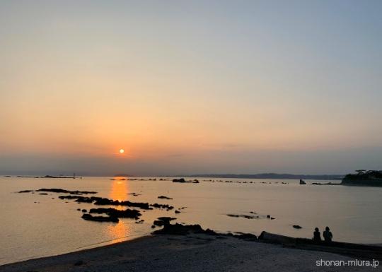 葉山裕次郎灯台の夕日