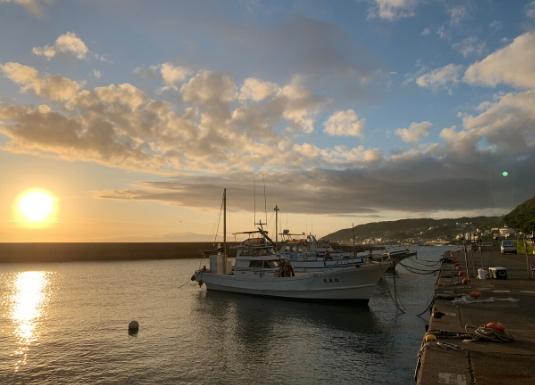 秋谷漁港の夕景