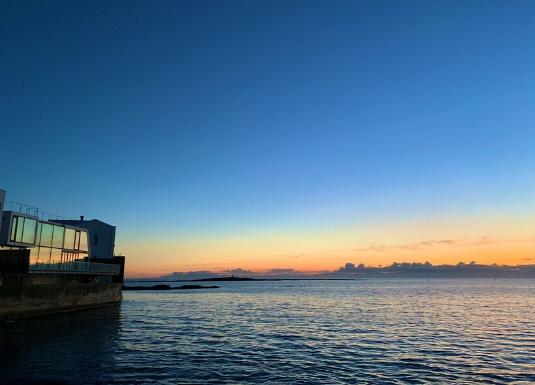 横須賀西海岸から見る夕日
