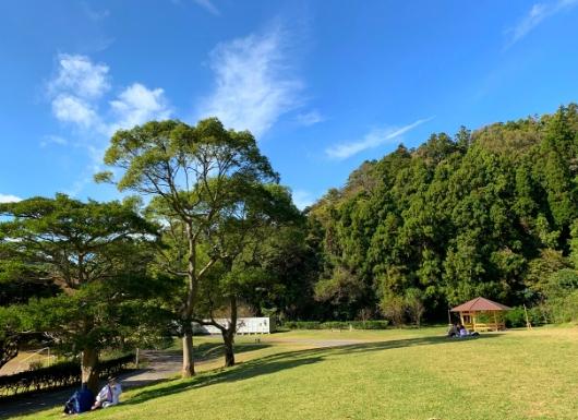 南郷上ノ山公園のピクニック広場