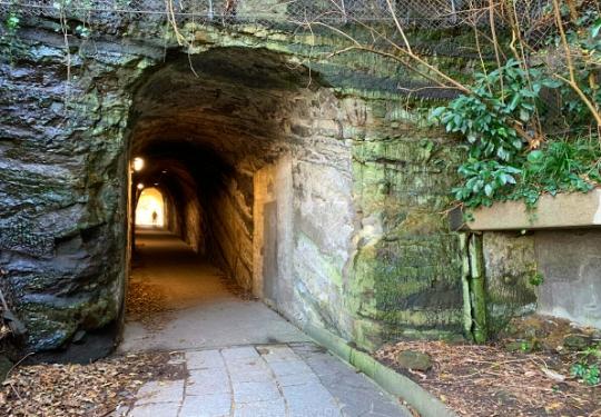 観音崎公園の洞窟