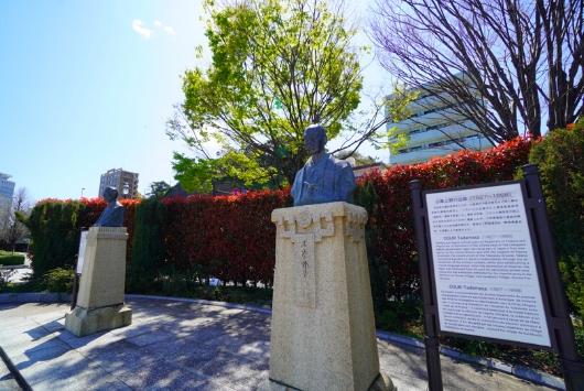 ヴェルニー銅像
