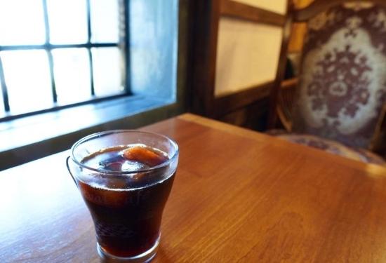 リバイバルカフェのアイスコーヒー