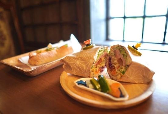 リバイバルカフェのサンドイッチ