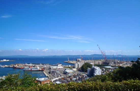 くりはま花の国から見た東京湾