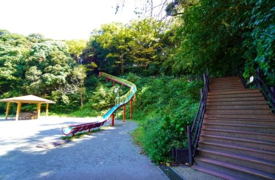 くりはま花の国ロング滑り台