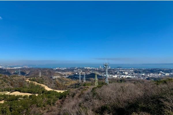 大楠山山頂から横須賀中央を望む